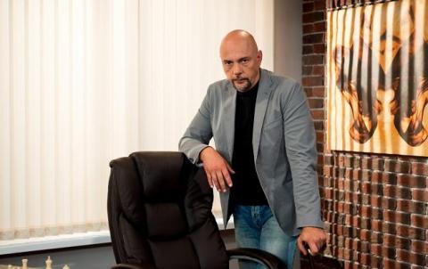 """Ведучий """"Реальної містики"""" Андрій Дебрін знайшов труп під час зйомок, за справу взялась поліція"""