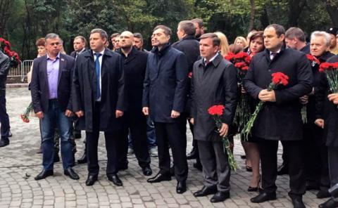 Сурков і Захарченко у Ростові відкрили пам'ятник бойовикам