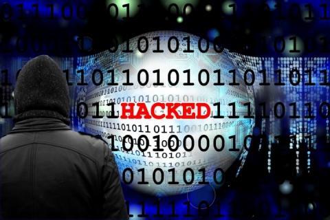 Російські ЗМІ повідомляють про хакерські напади на їхні комп'ютерні системи
