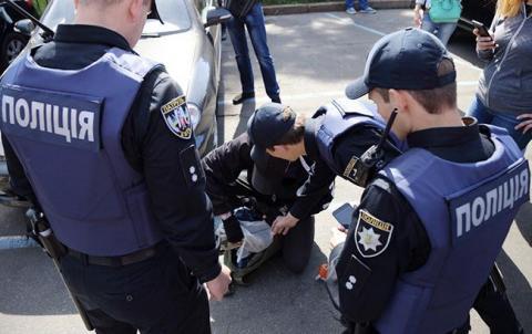 У Запоріжжі поліція знешкодили групу з 12 осіб, які викрали чоловіка