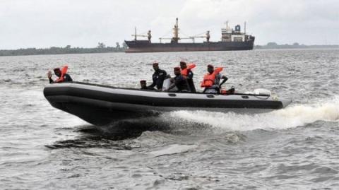Біля берегів Нігерії пірати захопили українського моряка