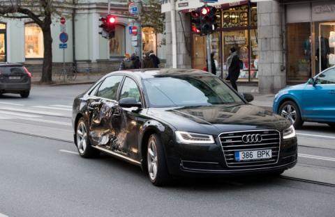 В машину з прем'єр-міністром Естонії врізався Mercedes, – ЗМІ