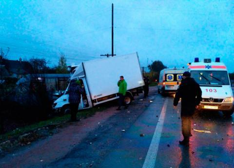 У Житомирській області сталася ДТП за участю маршрутки, є загиблий