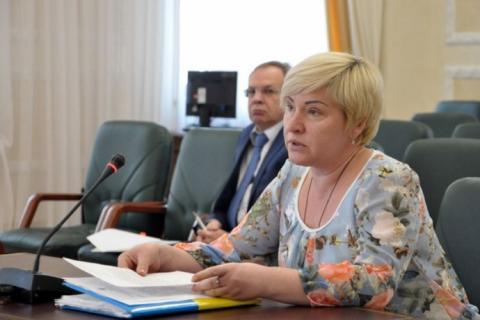 У Києві звільнили суддю, що відбирала права в автомайданівців