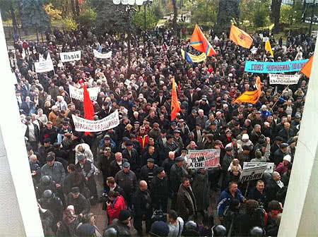"""Хроніка 1 листопада. Влада долає """"свинячий грип"""", а ув'язнена Тимошенко хоче в Європу"""