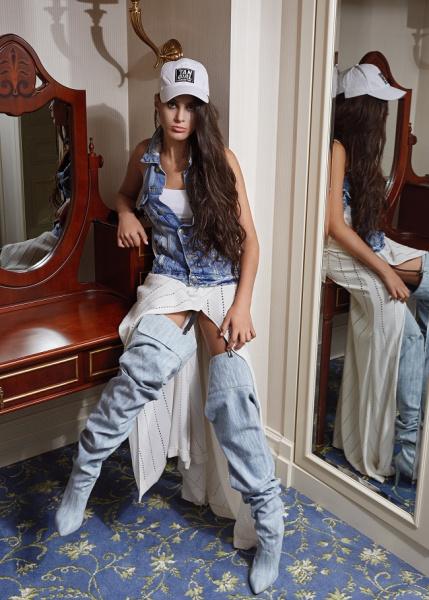 16-річна одеситка з діагнозом ДЦП стала головною героїнею fashion-зйомки