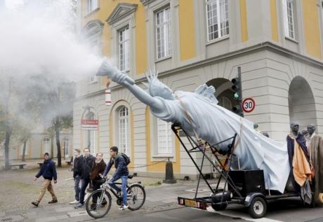 """У Бонні """"екологічні"""" протести перед початком кліматичної конференції"""