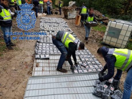 В Іспанії вилучили одну з найбільших партій кокаїну вагою 1,2 тонни