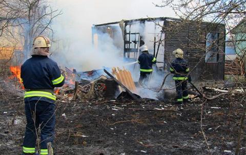 У Донецькій області на пожежі житлового будинку загинула жінка