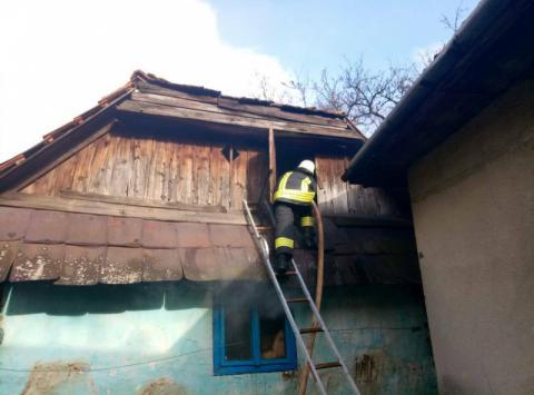У Закарпатті на пожежі житлового будинку загинуло 2 людини