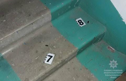 У Дніпрі квартирні злодії при затриманні підірвали гранати, 5 поліцейських поранені