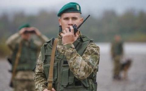 Прикордонники затримали 2 молдован при спробі незаконно потрапити в Польщу