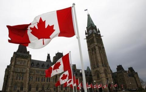 В салон канадського літака потрапили хімікати, є постраждалі