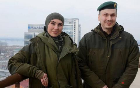 """""""Адам відчуває свою провину"""": мама Окуєвої розповіла, як Осмаєв переживає втрату дружини"""