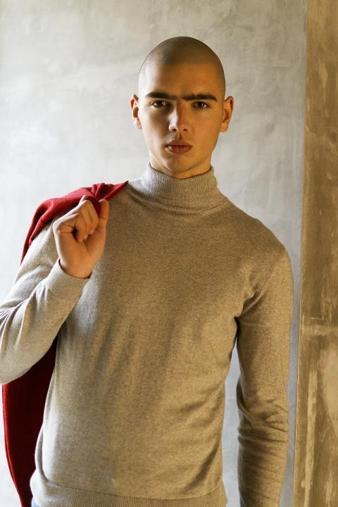 Топ-модель по-українськи 4: один із учасників популярного шоу став обличчям нової колекції українського бренду (фото)