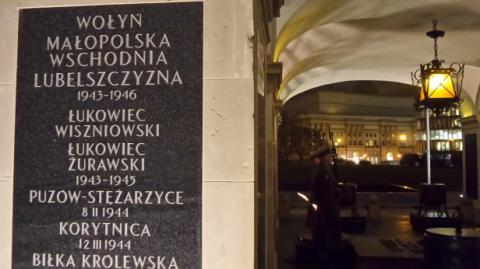 В'ятрович обурився табличками на могилі невідомого солдата у Польщі