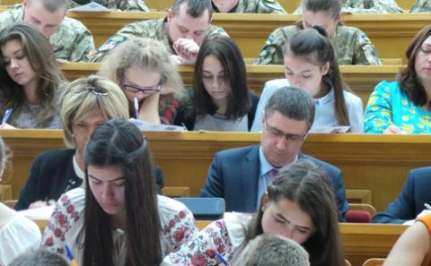 В'ячеслав Кириленко взяв участь у написанні Всеукраїнського диктанту національної єдності