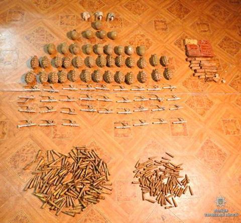 У Запорізькій області поліція виявила схованку з боєприпасами