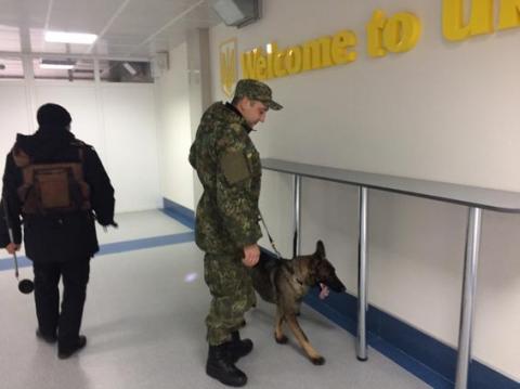 Вибухівку шукали в аеропортах по всій Україні