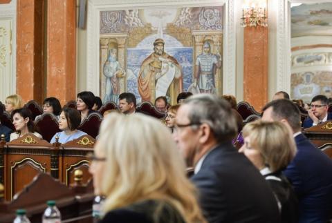Пам'ятайте, яку ціну заплатила Україна за незалежний та справедливий суд – Президент суддям нового Верховного Суду