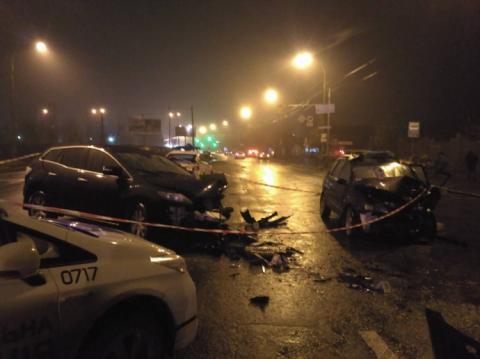 У Києві водій виїхав на зустрічну і зіткнувся з авто, є загиблий