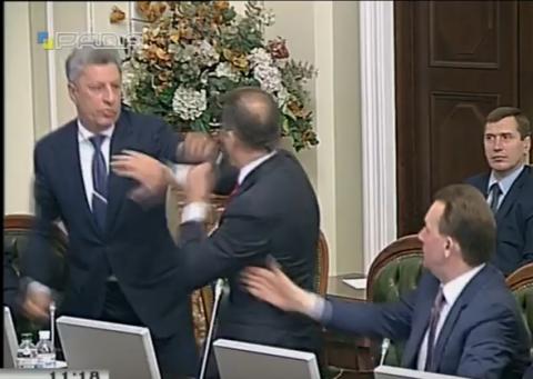 """Хроніка 14 листопада. Кучма робить Януковича прем'єром, а Тимошенко відповіла Ющенку за """"бомжа"""""""