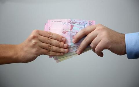У Кривому Розі на хабарі понад 15 тис. гривень затримано чиновника райради