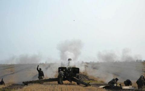 На Донбасі за добу бойовики 23 рази порушили перемир'я, двоє бійців ЗСУ отримали поранення