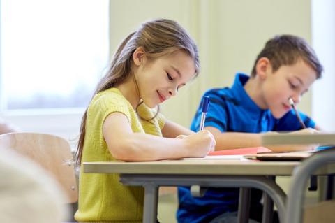 Учені з'ясовують, чи потрібно вчити дітей чистописання