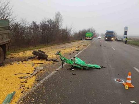 У Вінницькій області вантажівка зіштовхнулася з бензовозом