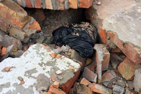 Поліція виявила три схованки зі зброєю в Дніпропетровській області