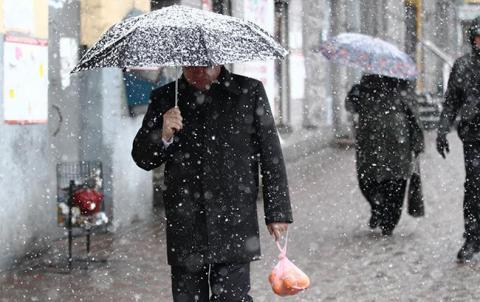Погода на сьогодні: в Україні місцями сніг і дощі, температура до +10