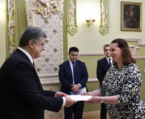 Президент прийняв вірчі грамоти від послів Індонезії, В'єтнаму, Австралії та Іспанії