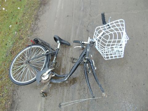 У Чернівецькій області автомобіль на смерть збив велосипедиста