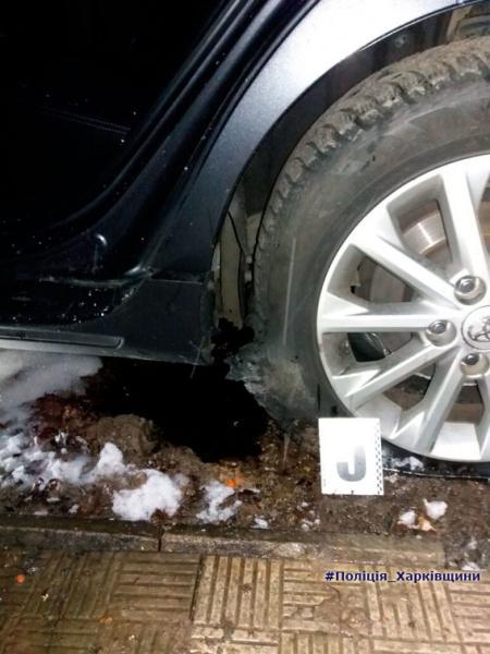 У центрі Харкова вибухнув автомобіль, є постраждалий
