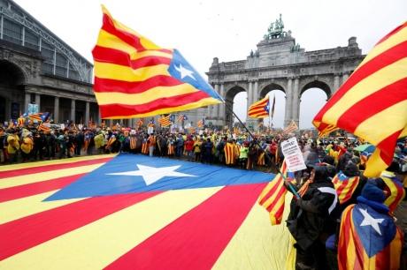 Мітинг у Брюсселі: вже 45 тис. осіб вийшли на підтримку незалежності Каталонії