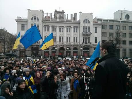"""Хроніка 28 грудня. Ющенко ветує закони Януковича, а Ярош уже не """"правосек"""""""