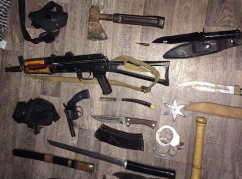 У Бахмуті у місцевого жителя вилучили арсенал зброї