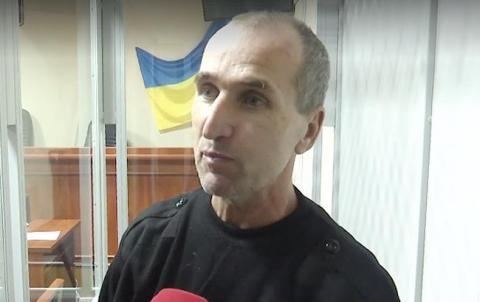 """Рішення зустріли оплесками: суд відпустив """"народного месника"""", який знищував авто сепаратистів"""