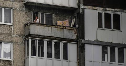 Суд зобов'язав виплатити компенсацію за куріння на балконі