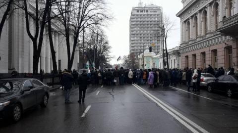 Прихильники Саакашвілі облаштували барикади. Під ВР інший мітинг