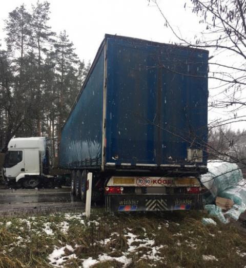 У Києві зіткнулися два автомобіля, є загиблий