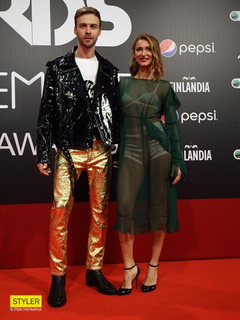 М1 Music Awards 2017: зірки на червоній доріжці премії (фоторепортаж)