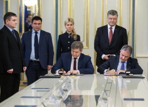 Ці гроші є символом підтримки ЄС реформ, які відбуваються в Україні – Президент під час підписання Угод щодо розширення системи харківського метрополітену