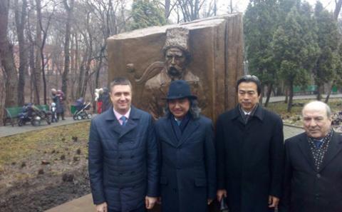 В'ячеслав Кириленко відкрив скульптури на честь видатних українського та китайського поетів