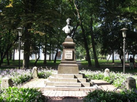 У Чернігові вкрали бронзовий бюст Пушкіна