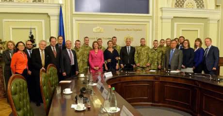 Звільнені українські заручники розповіли послам ЄС та G7 про катування в полоні