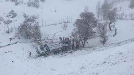 У Туреччині автобус впав у замерзлий рівчак: 6 загиблих, 20 травмованих