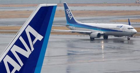 Літак завернули через 4 години польоту через помилкового пасажира