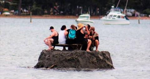Новозеландці оригінально обійшли заборону на вживання алкоголю